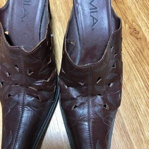 Womens Mia Brown Slip on Cowboy Shoe